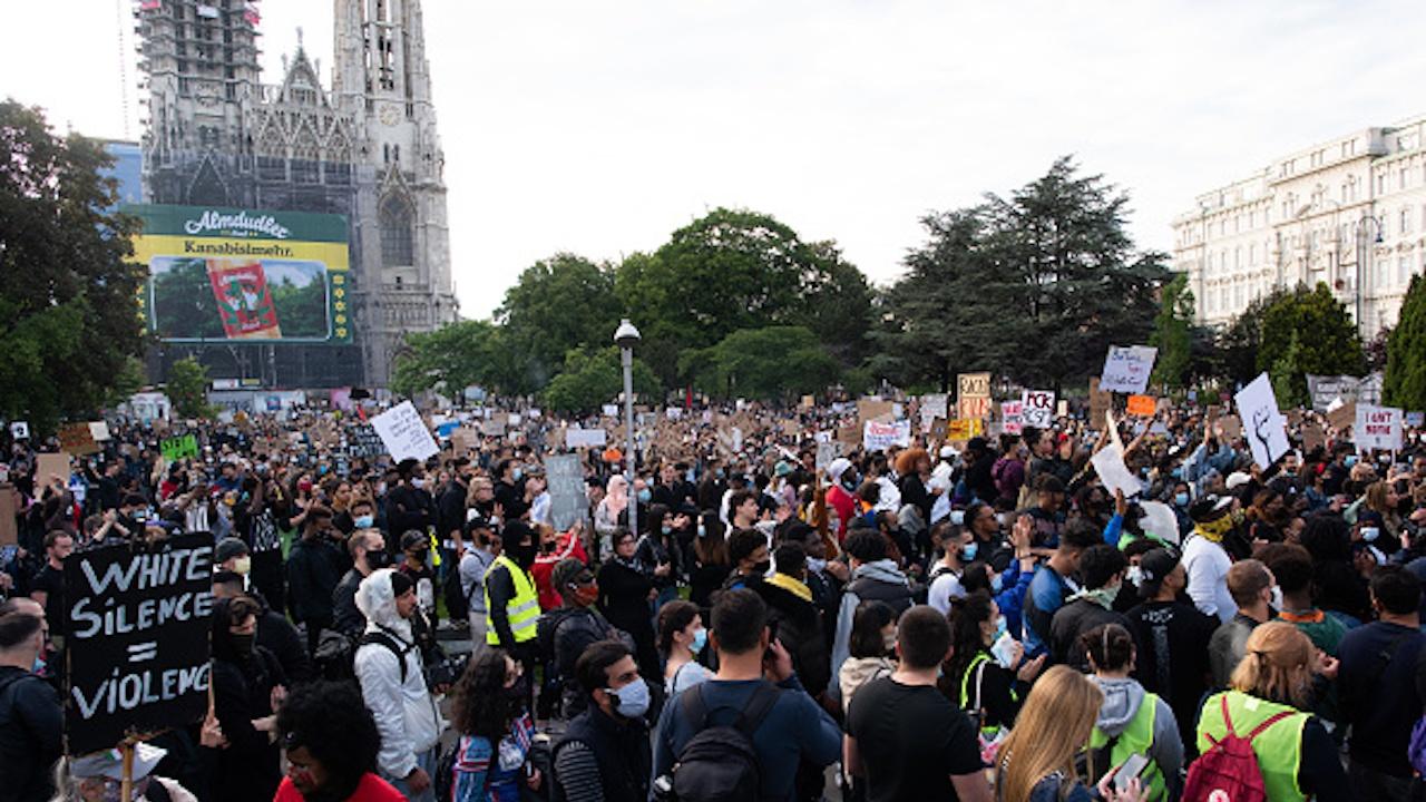 3000 глоби получиха протестиращите срещу антиепидемичните мерки във Виена