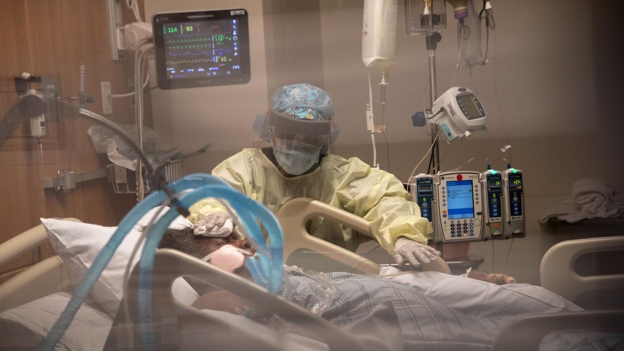 Под 1000 починали от COVID-19 в САЩ за първи път от ноември