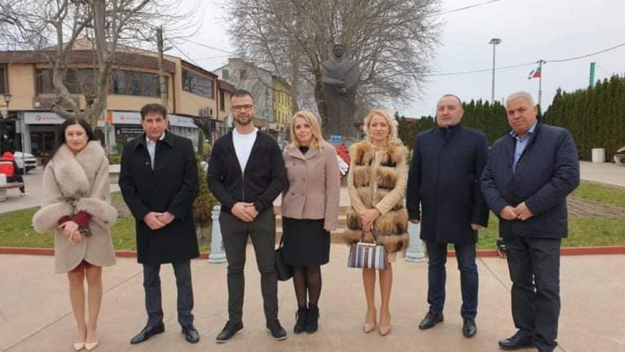 Кандидати за народни представители от ГЕРБ -СДС се срещнаха с жители на Стамболийски