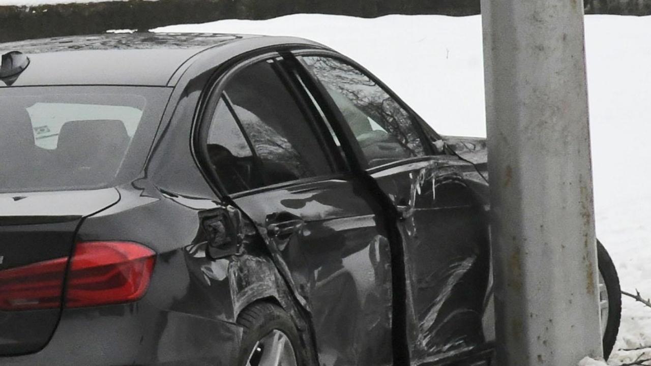 85-годишен шофьор катастрофира и рани жена