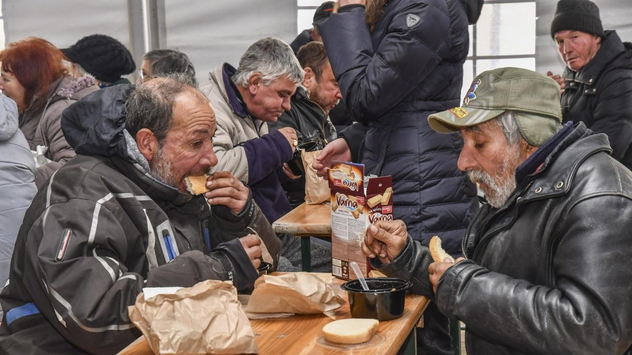 В община Разград 300 социално слаби ще получават топла храна до края на септември