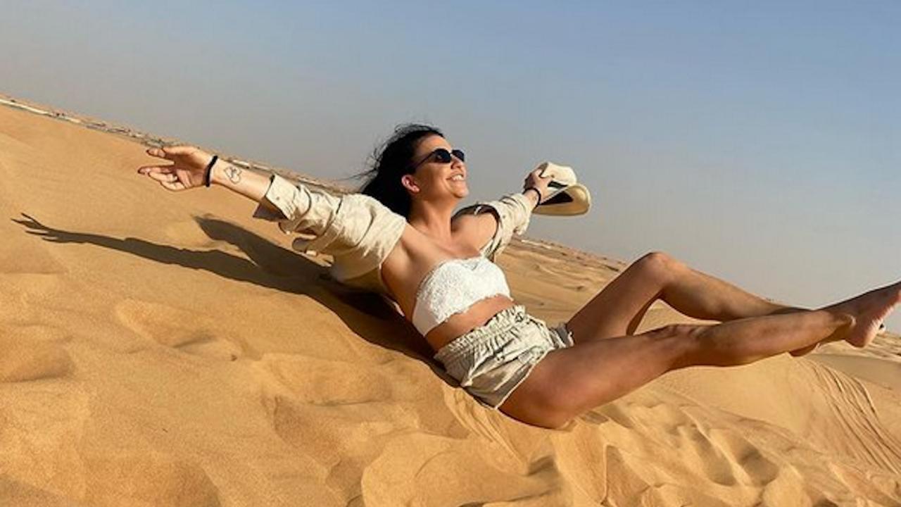 Вижте какво яхна Деси Цонева сред пясъците на Дубай