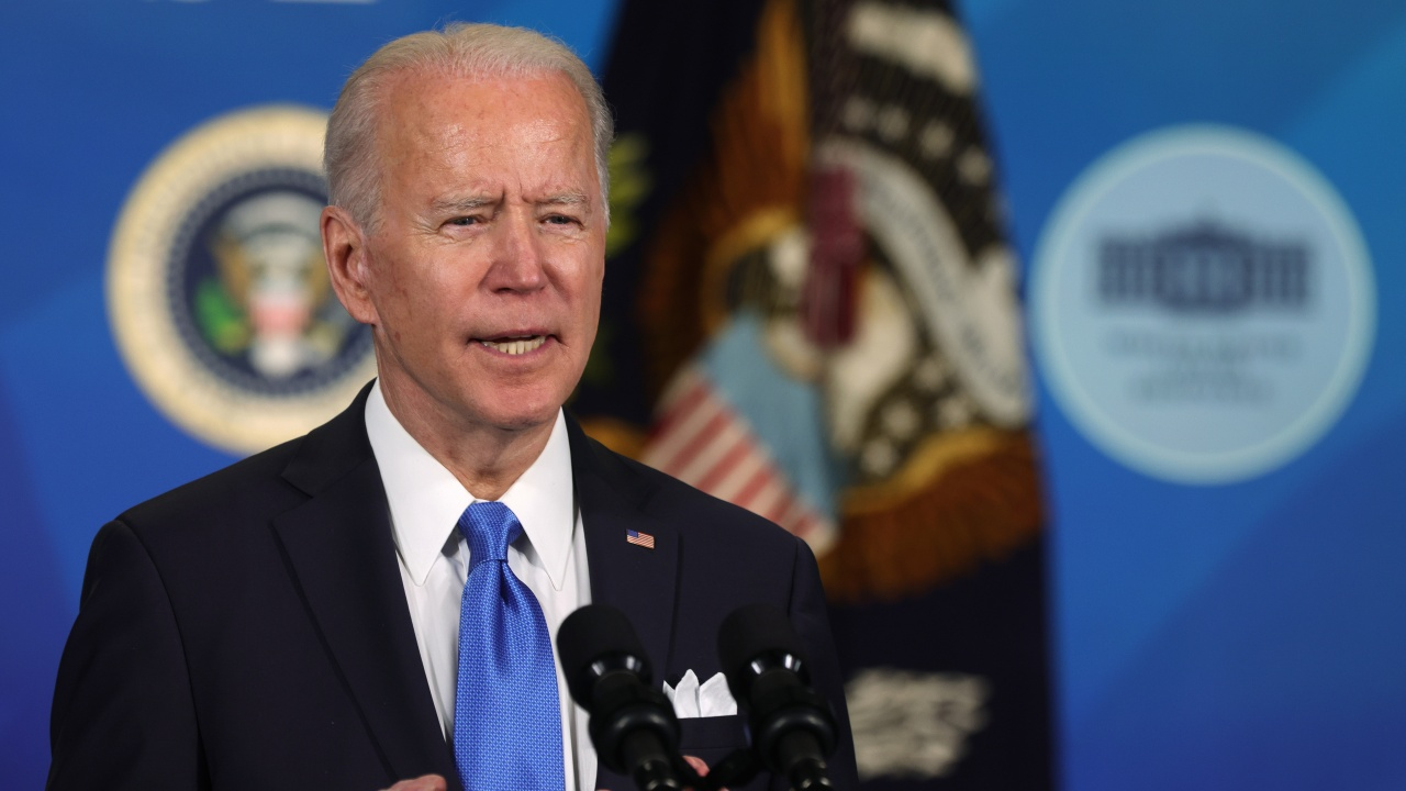 Джо Байдън подписа плана за възстановяване от коронакризата, възлизащ на 1,9 трилиона долара