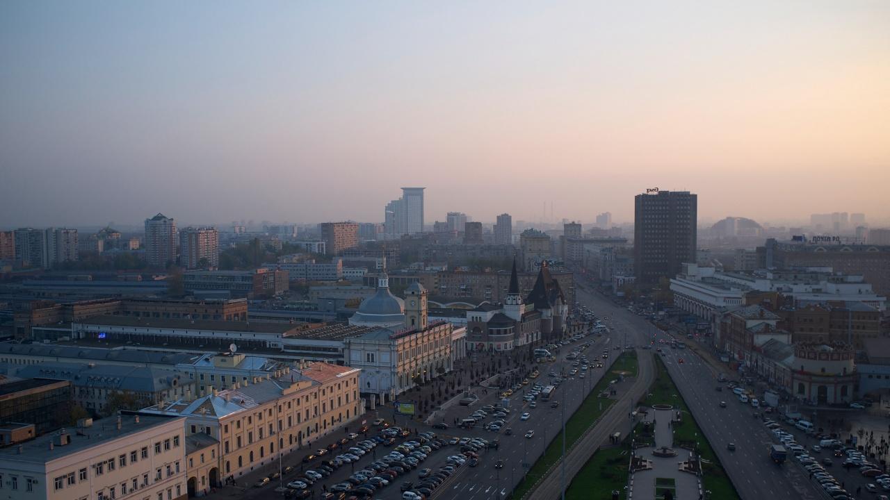 Коронавирусът удря икономиката на Русия и психичното здраве на хората в страната