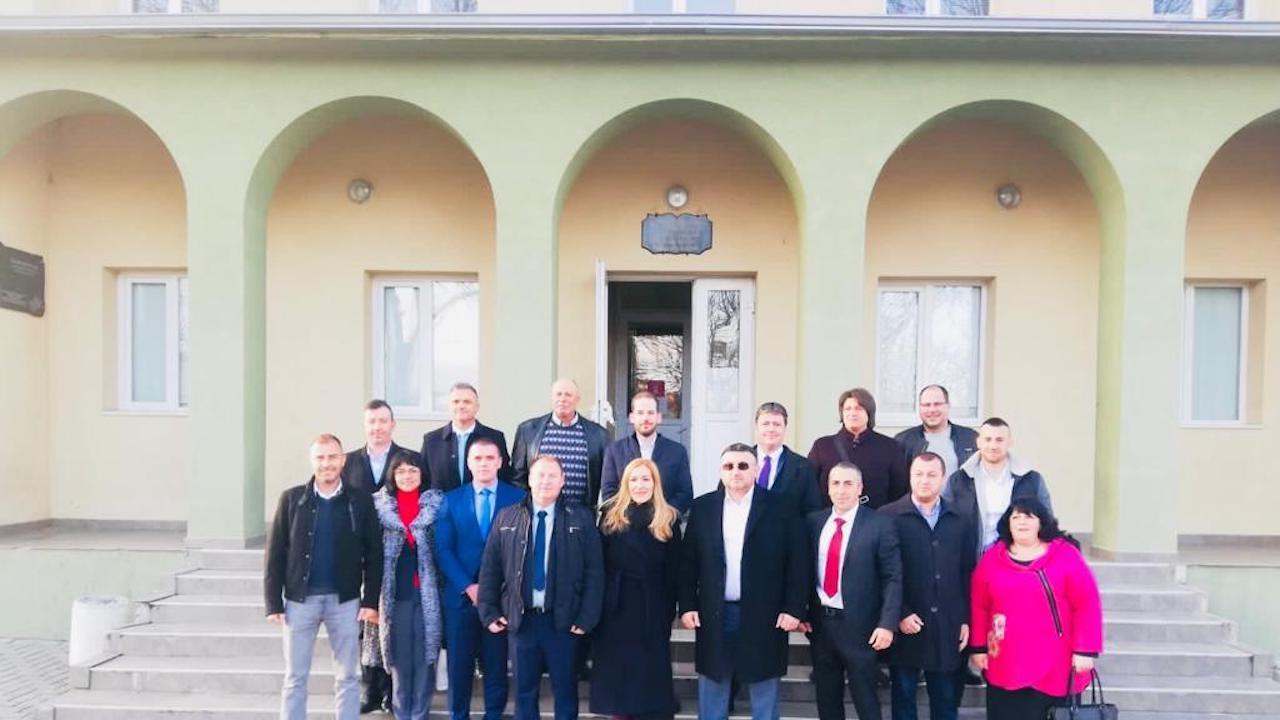 Младен Маринов в Ихтиман: Ще обновим пътната инфраструктура в района