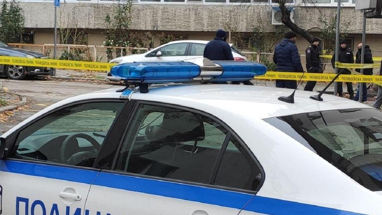 Жена намери мъртвия си съпруг с нож в устата