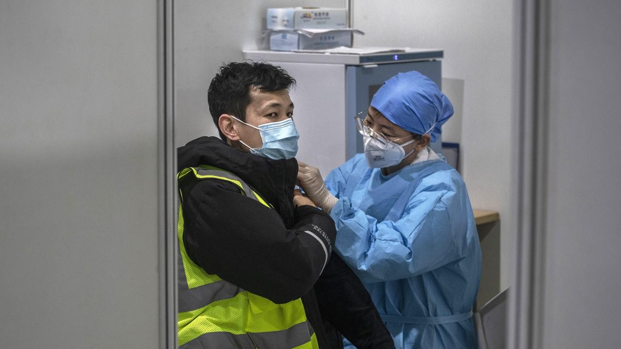 Китай иска да ваксинира 80% от населението си до средата на 2022 г.