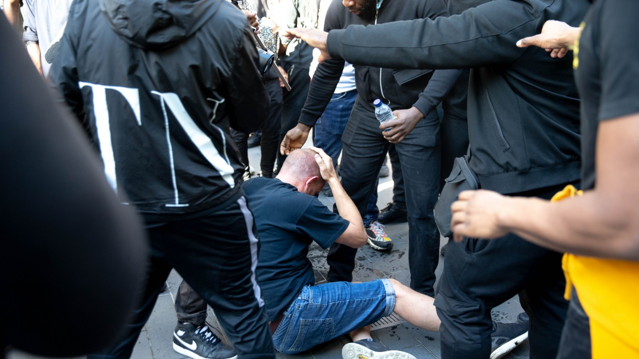 Сблъсъци в Лондон заради убийството на жена от полицай