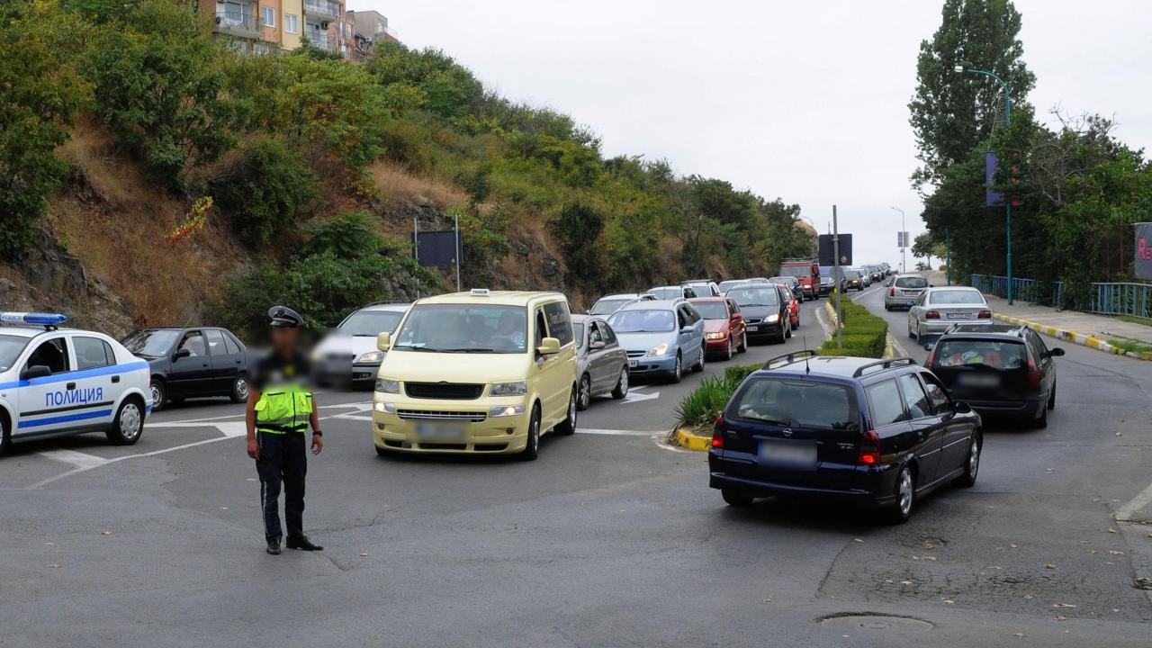Ограничават движението в три участъка в Пернишка област