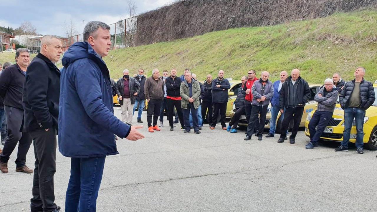 Радостин Танев, ГЕРБ: Ремонтът на пътищата от Стара Загора до Чирпан и Нова Загора е мой личен приоритет