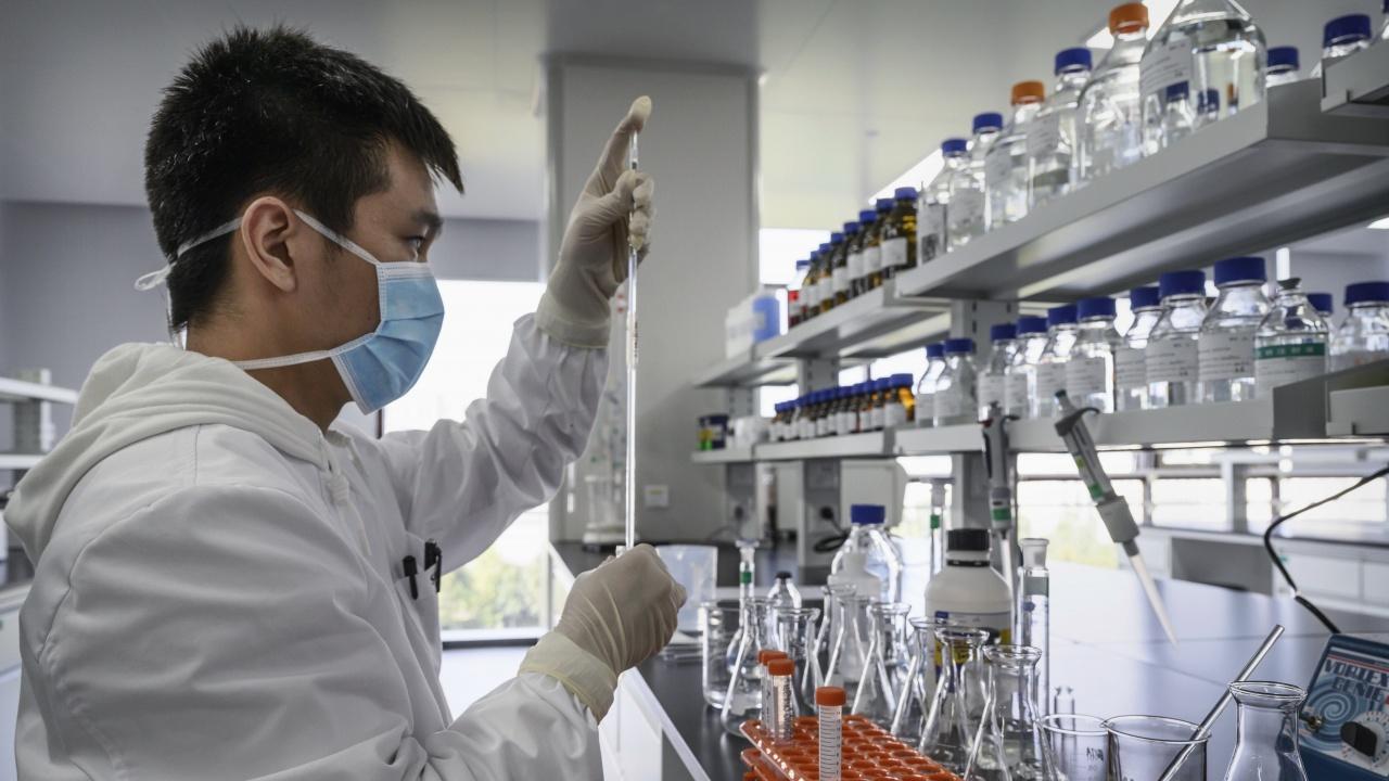 """Китай дава на ООН 300 000 дози ваксини, предназначени за """"сините каски"""""""