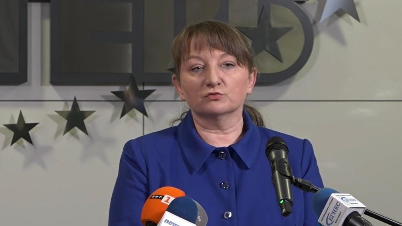 Деница Сачева: 500 евро минимална работна заплата, 1000 евро средната