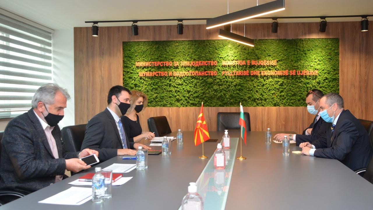 Посланикът ни в Скопие разговаря със земеделския министър на Р Северна Македония