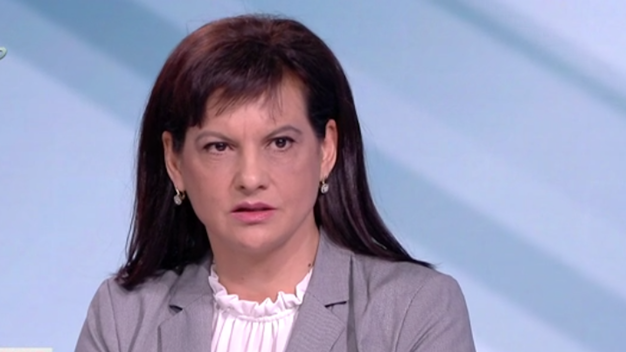 Даниела Дариткова: Трябва да се научим да живеем с COVID-19, но и да го контролираме