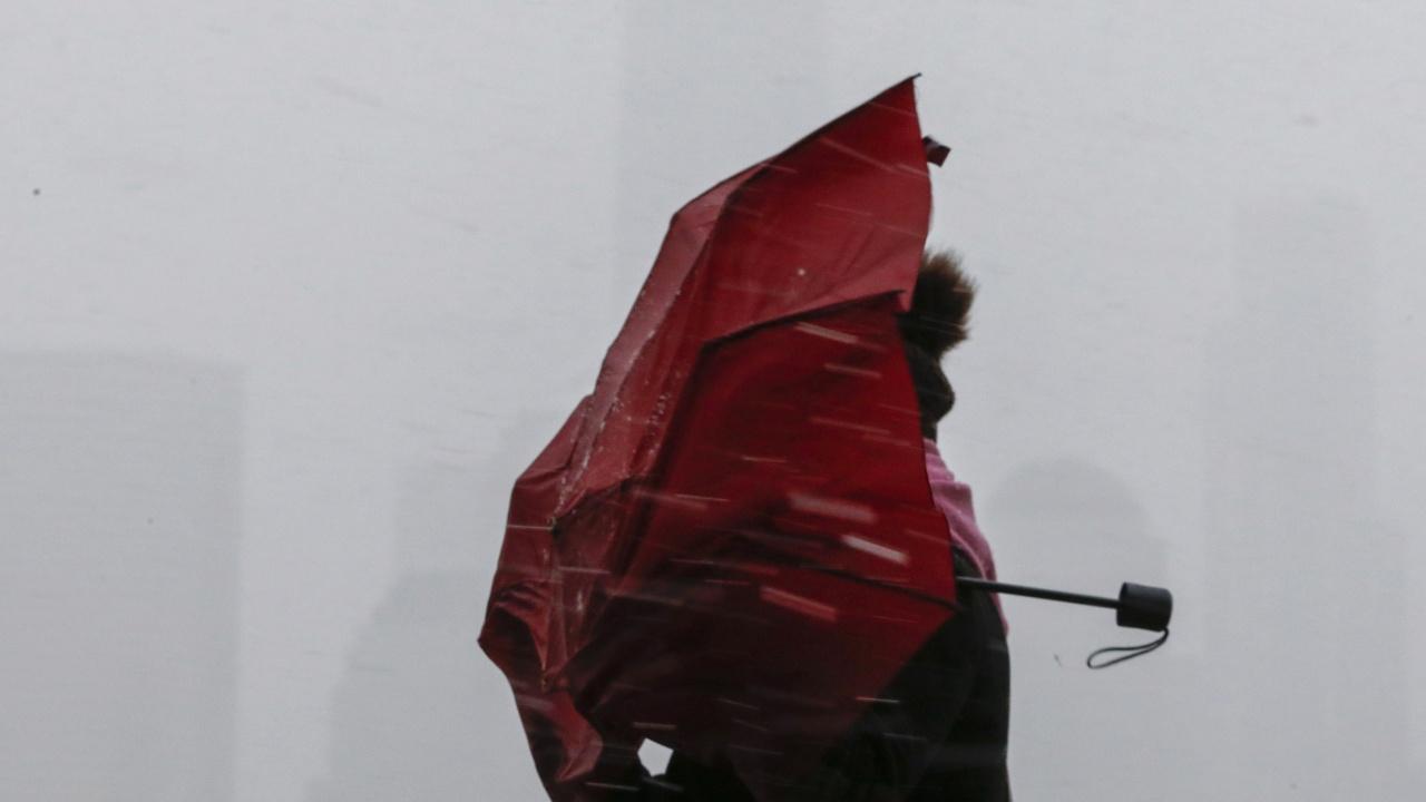 Жълт код за силен вятър и валежи в 19 области на страната