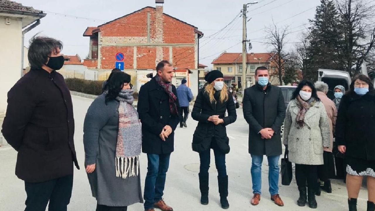 Ангелкова в Костенец: Инвестиции в балнеосанаториума в Момин проход ще върнат славата му не само у нас
