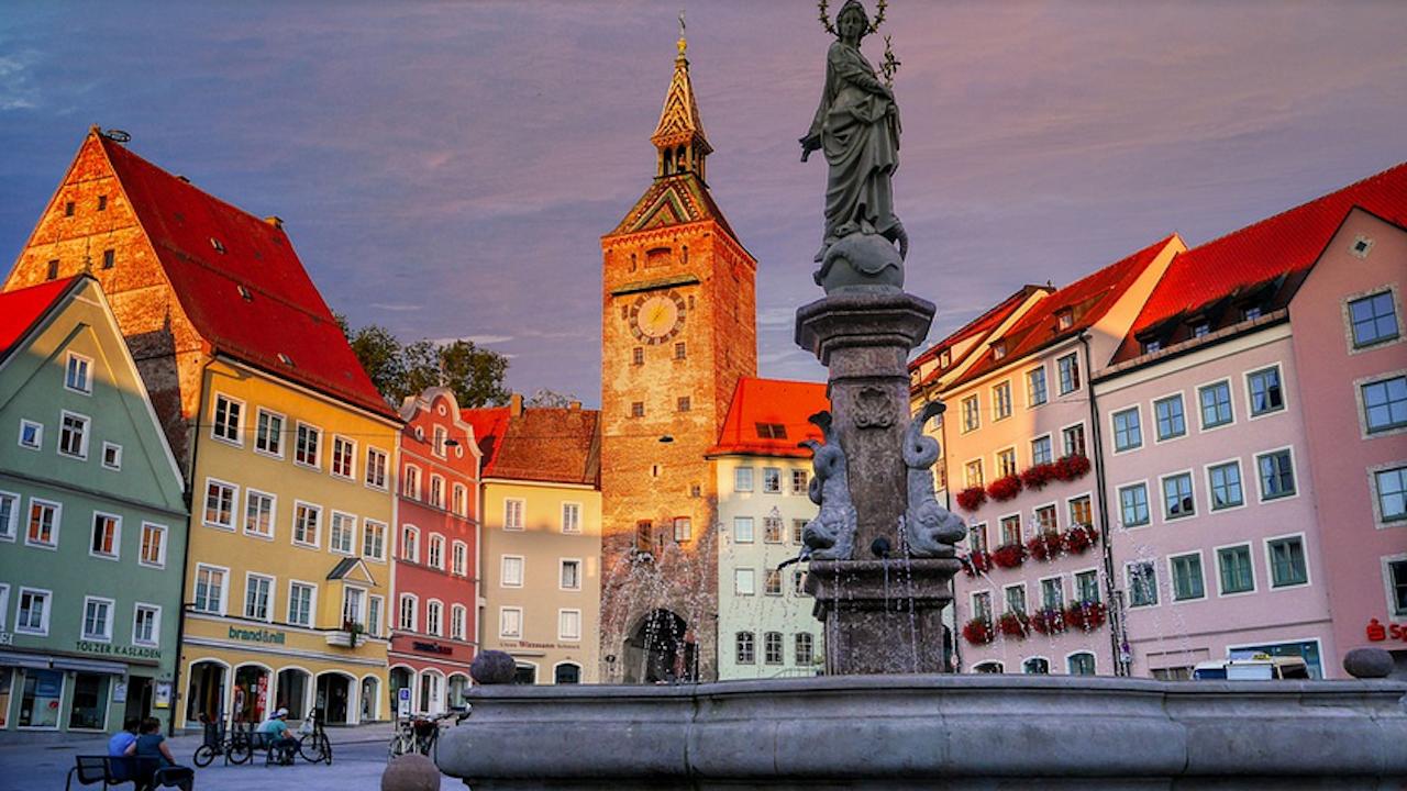 Бивш баварски правосъден министър е заподозрян в аферата с продажба на маски в Германия