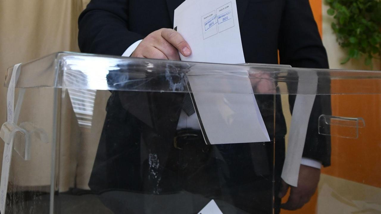 Тренд: ГЕРБ с преднина пред БСП. 45% от българите ще гласуват на изборите