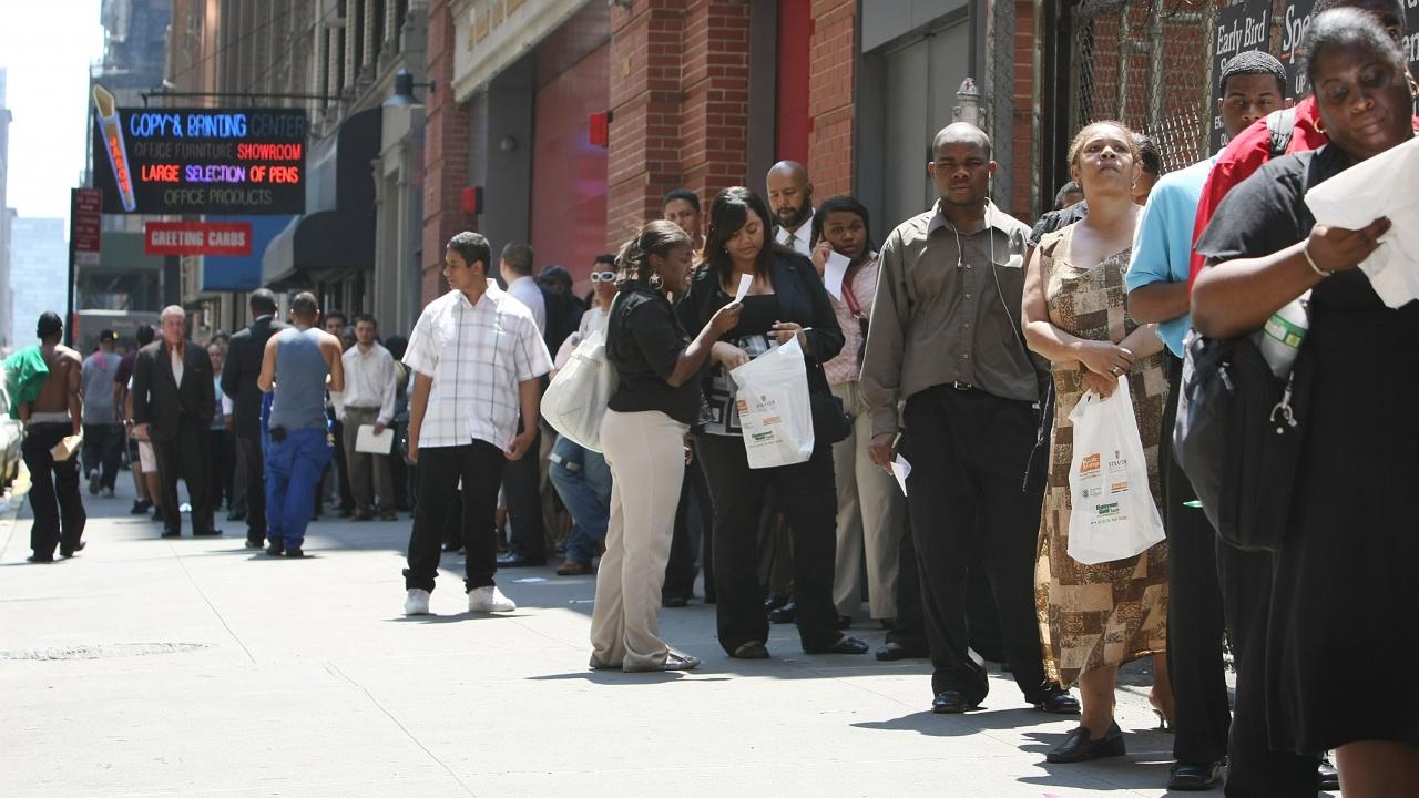 Изненадващ ръст на исковете за обезщетения за безработица в САЩ