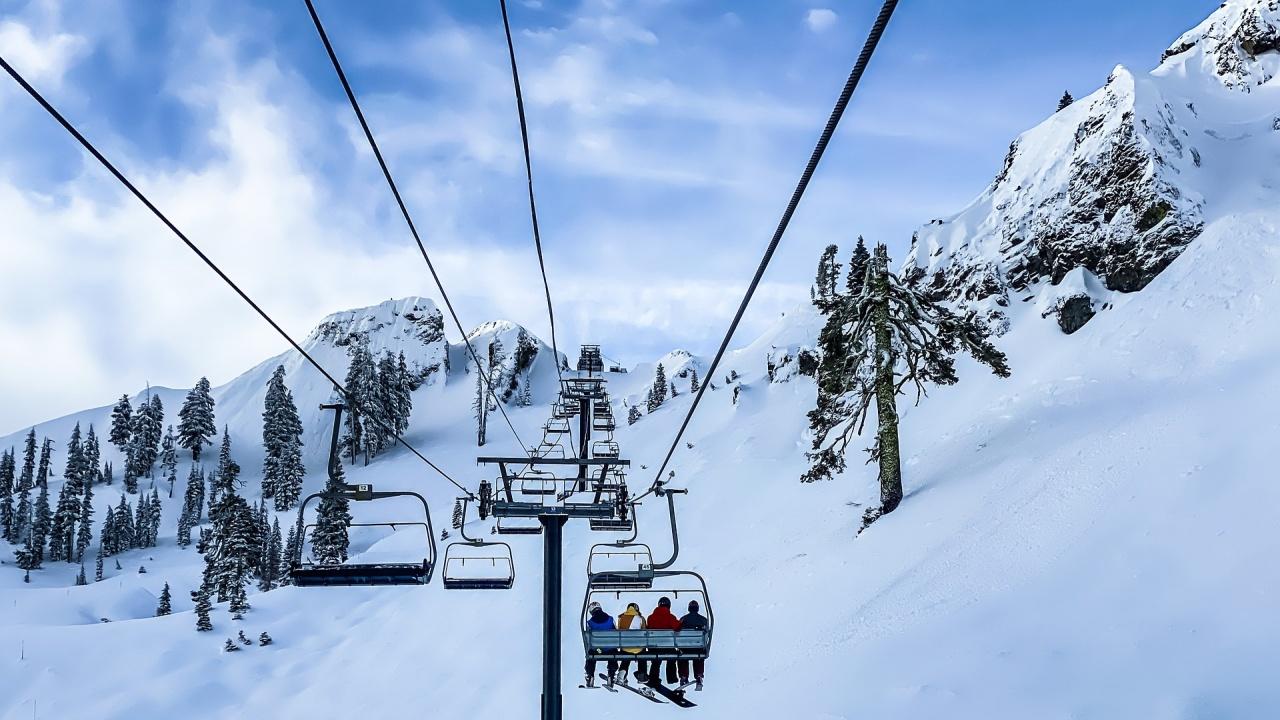 Лифтовете и ски зоната в Пампорово ще работят до 21 март