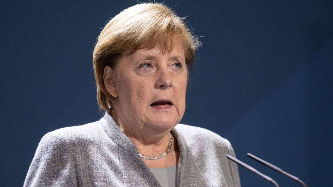 Блокът на Меркел изгуби още един депутат заради твърдения за корупция