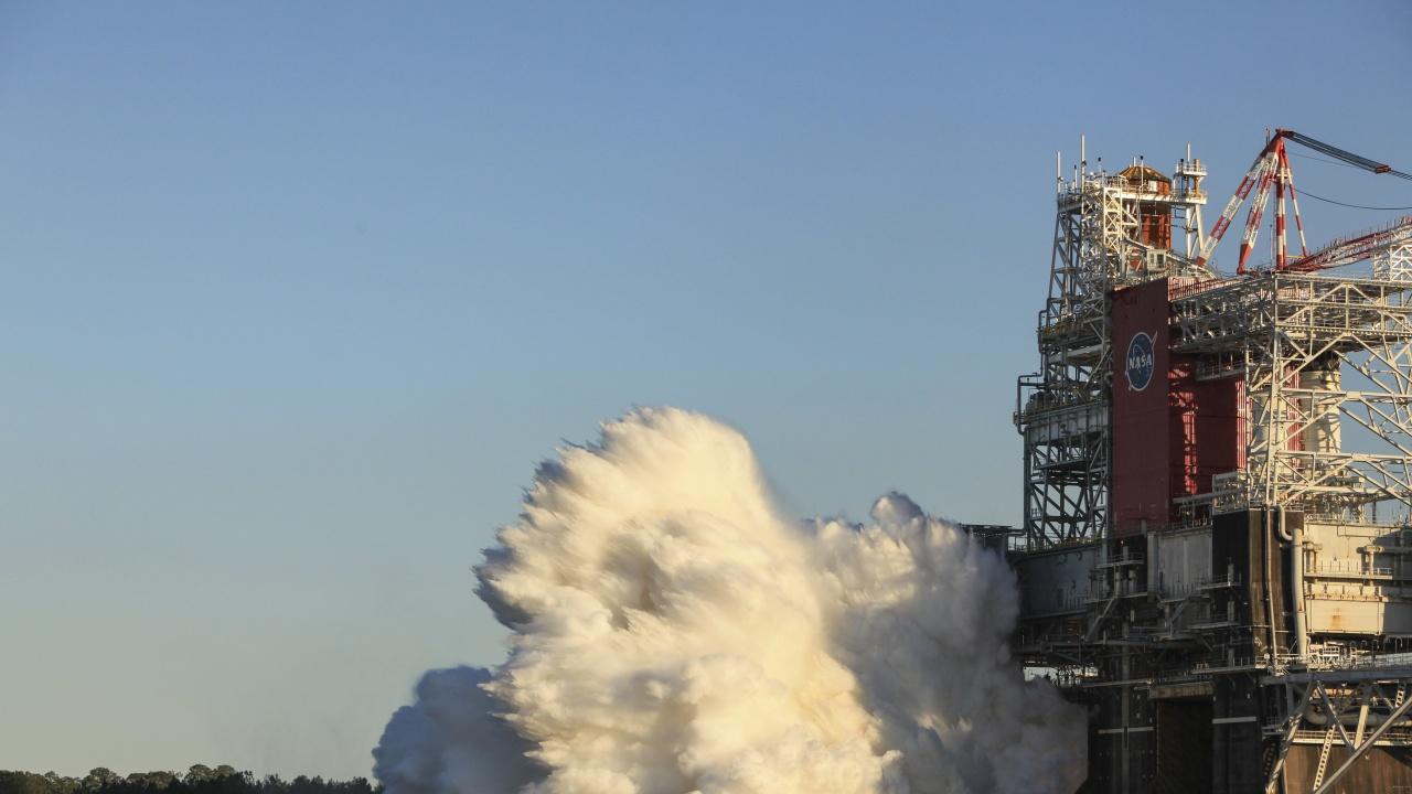 НАСА тества мощни ракетни двигатели