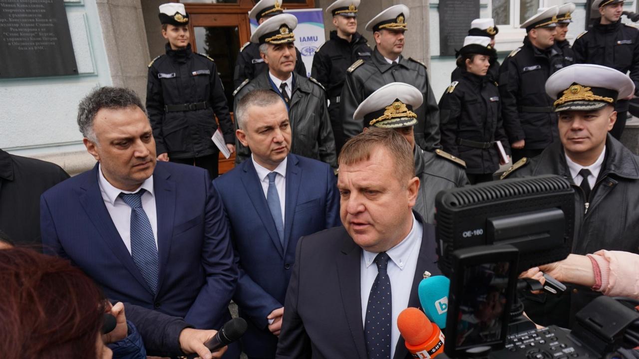 Красимир Каракачанов посочи каква информация са събирали обвинените в шпионаж