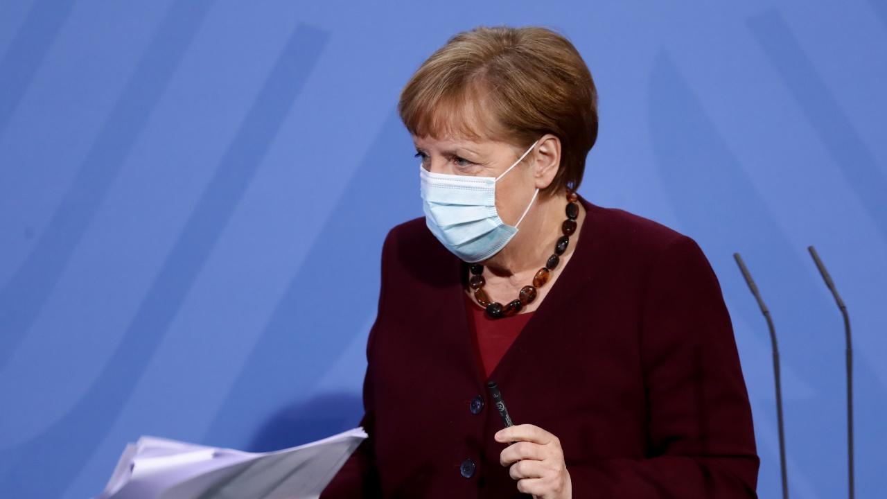 """Ангела Меркел изрази готовност да се ваксинира с препарата на """"АстраЗенека"""""""