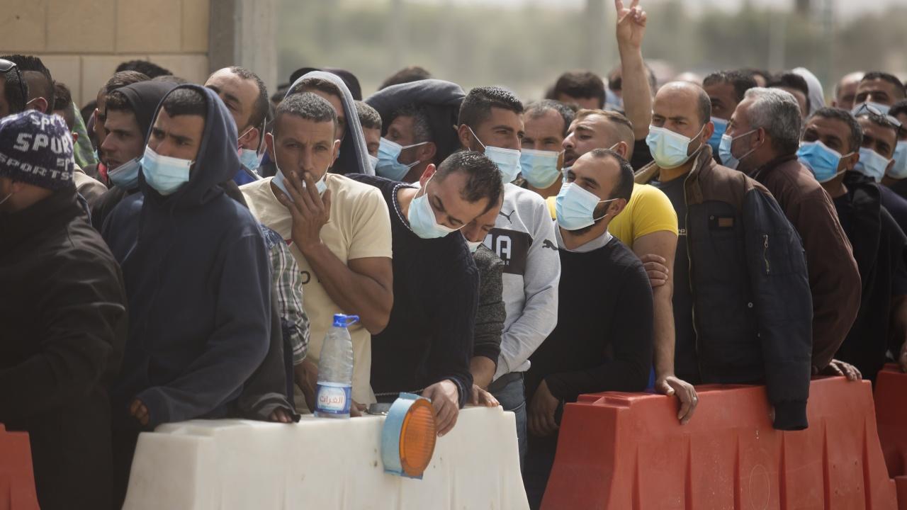 Минимална заплата за мигранти влиза в сила в Катар