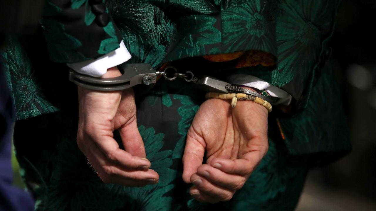 Два съдебни състава решават дали да оставят в ареста задържаните за шпионство