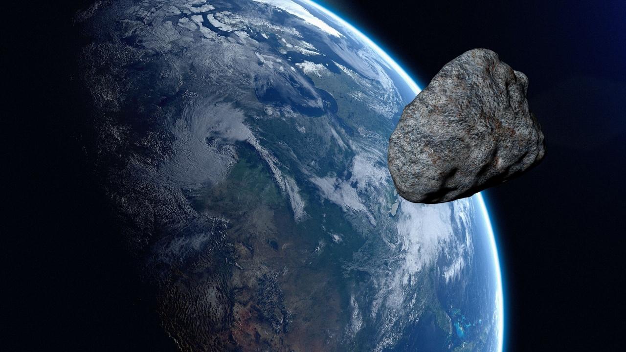 Голям астероид ще прелети днес край планетата ни