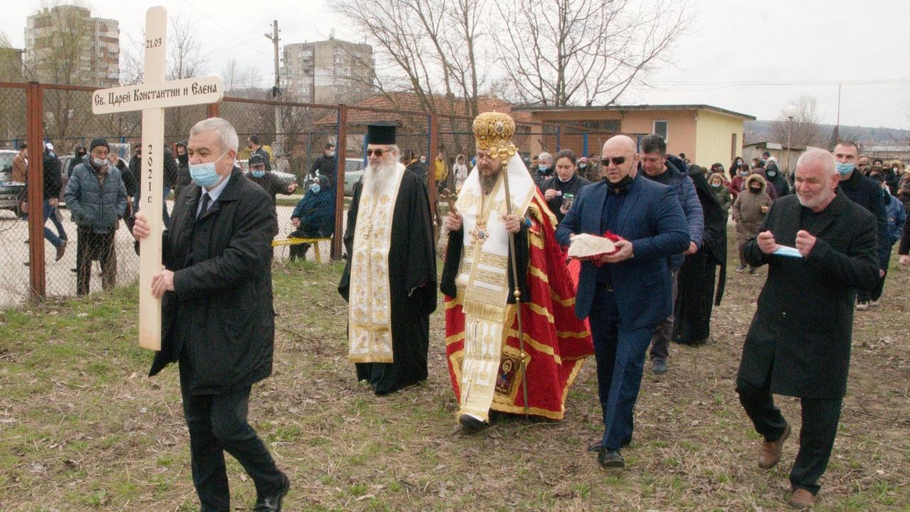 Нов храм се строи в село Айдемир