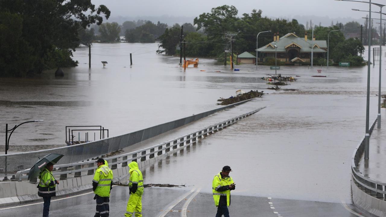 Тежки наводнения наложиха масова евакуация в Сидни