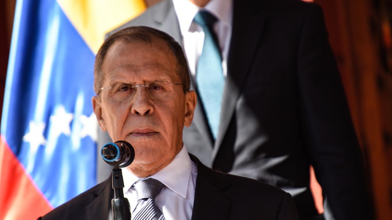 Лавров призова Китай и Русия да намалят употребата на щатски долари