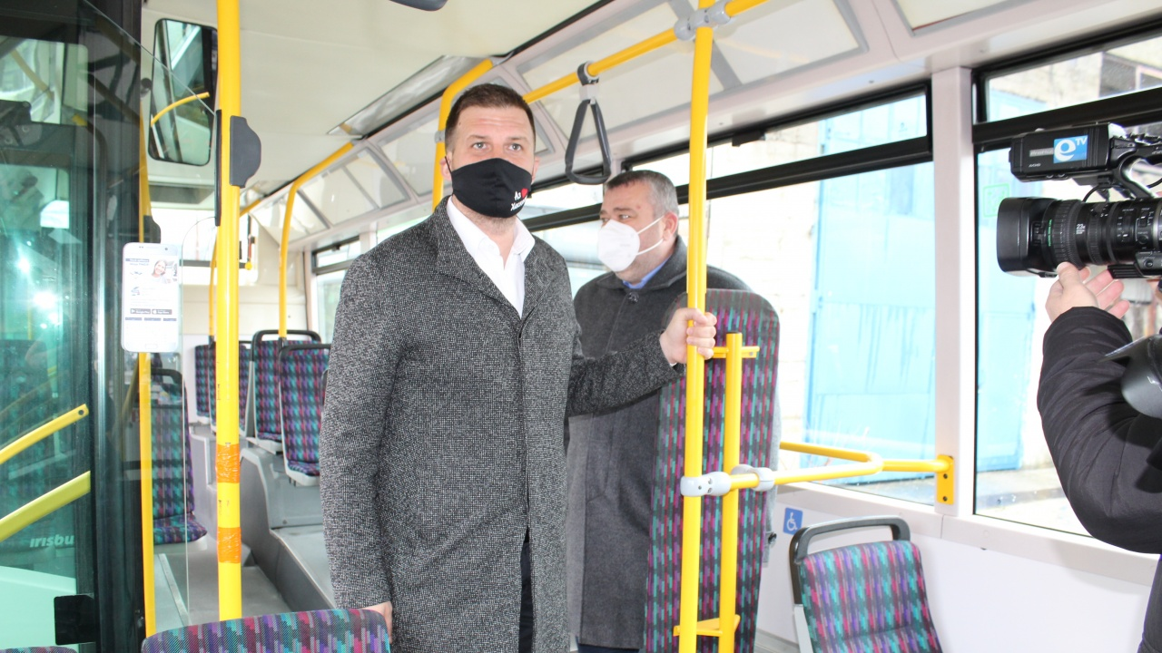 Модерни тролейбуси тръгват в Хасково