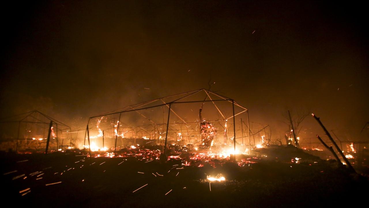 Най-малко седем загинали при пожар в бежански лагер в Бангладеш
