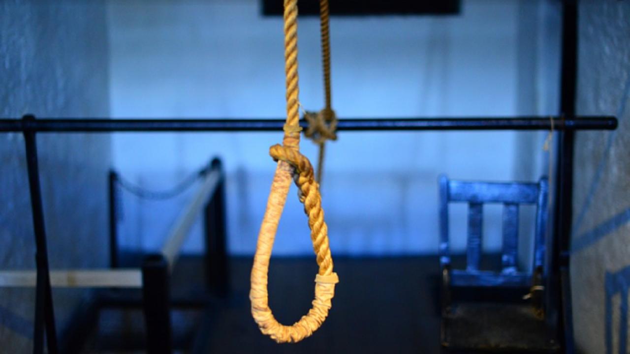 Откриха наяден от гризачи труп на самоубил се човек