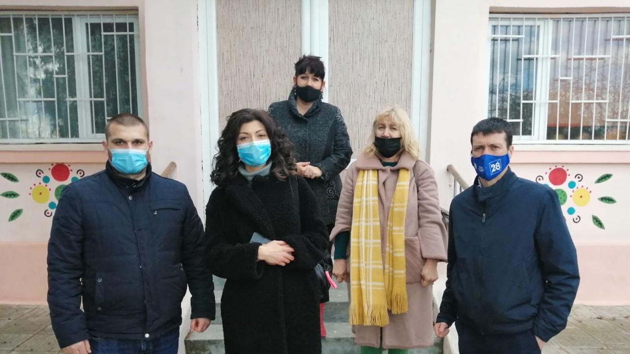 Кандидати за народни представители от ГЕРБ-СДС посетиха варненското село Казашко
