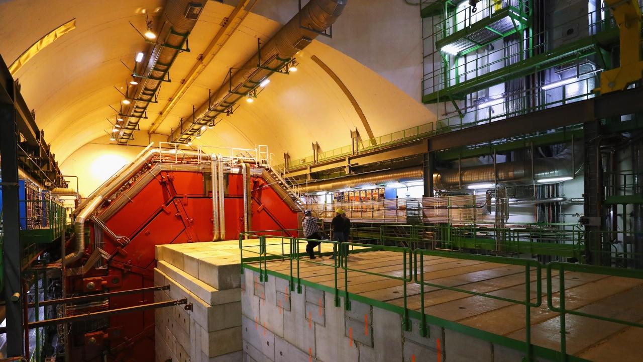 ЦЕРН откри възможна грешка в теорията за Стандартния модел във физиката
