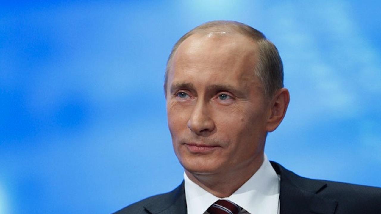 Путин се ваксинира срещу COVID-19