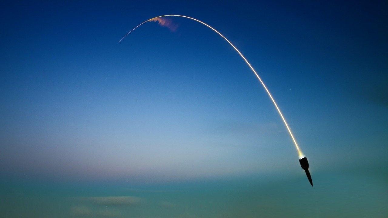 Северна Корея е изстреляла две ракети