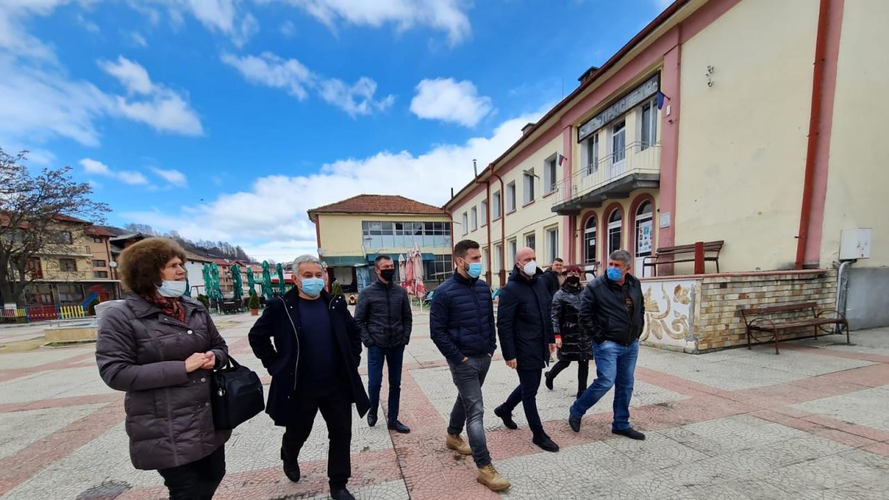 Андрей Новаков: ГЕРБ продължава инвестициите в образованието, за да има добра училищна база и възможности за развитие на учениците