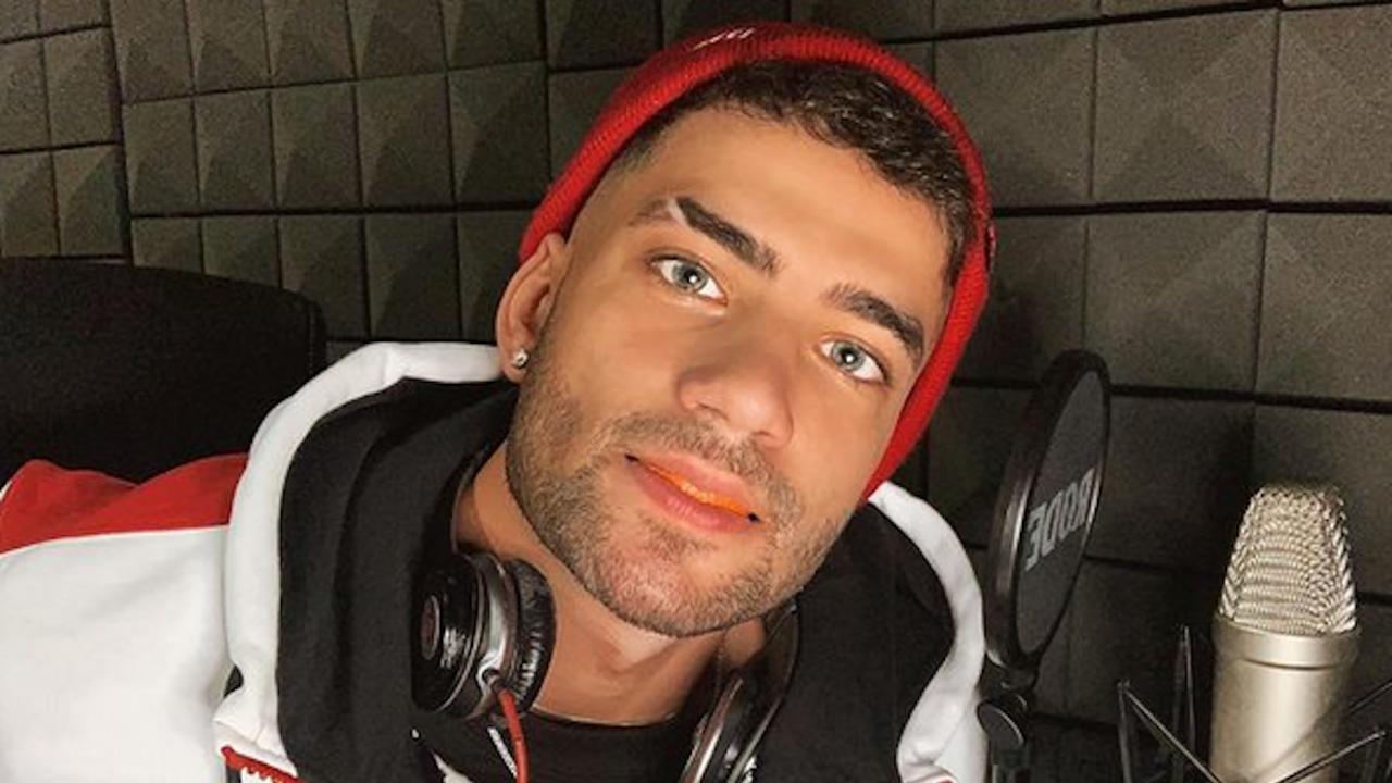 Наско Колев се жалва от обработените снимки на момичетата в Instagram