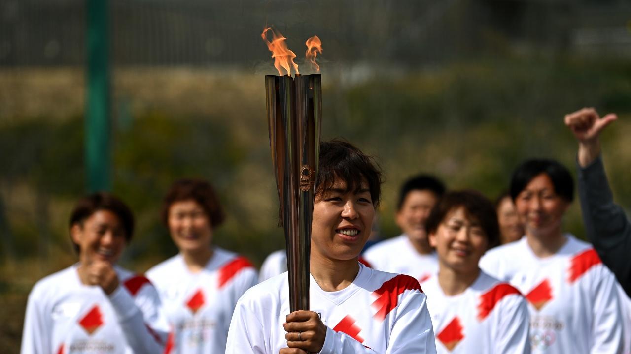 Олимпийският огън бе запален във Фукушима без публика