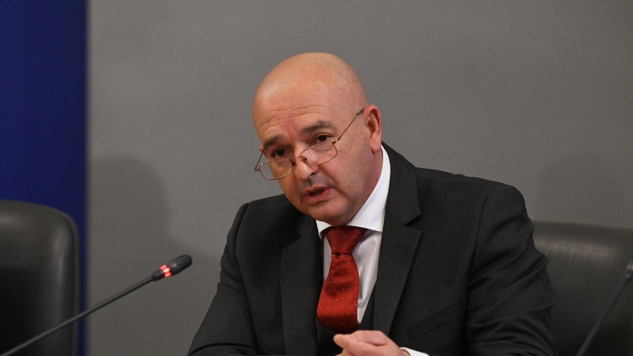 Ген. Мутафчийски: България е на второ място в света по COVID смъртност