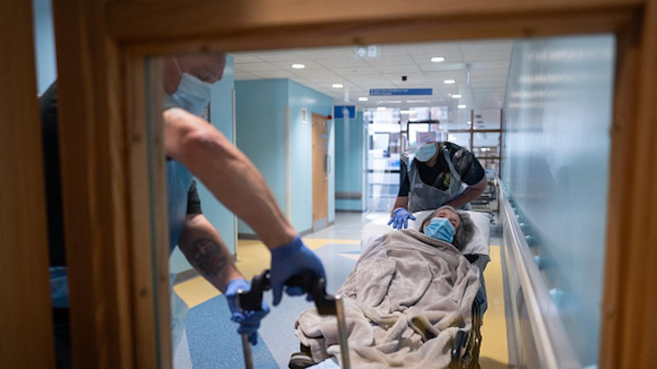 Заети са всички легла в интензивното отделение на областната болница в Ямбол