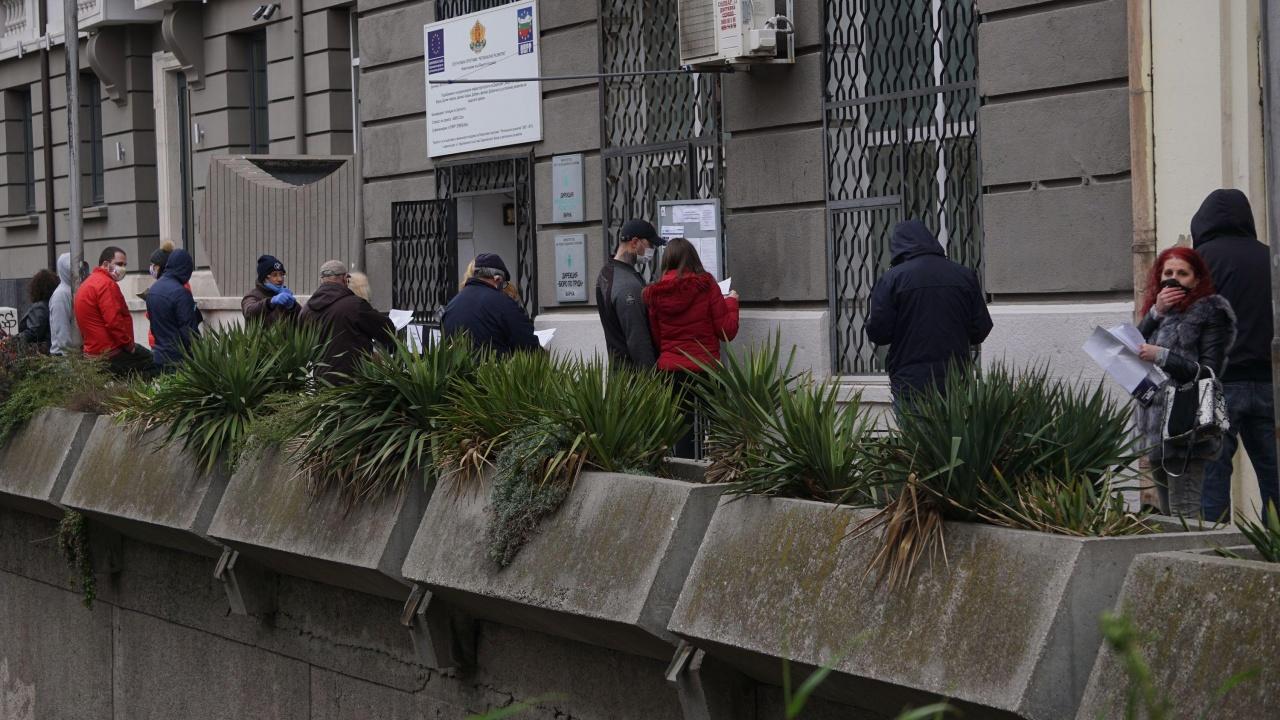 6400 безработни лица започнаха работа в Ловешко