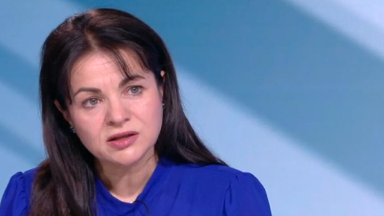 Росица Кирова: Слави Трифонов не предлага нищо, хората са вцепенени от авторитаризма му