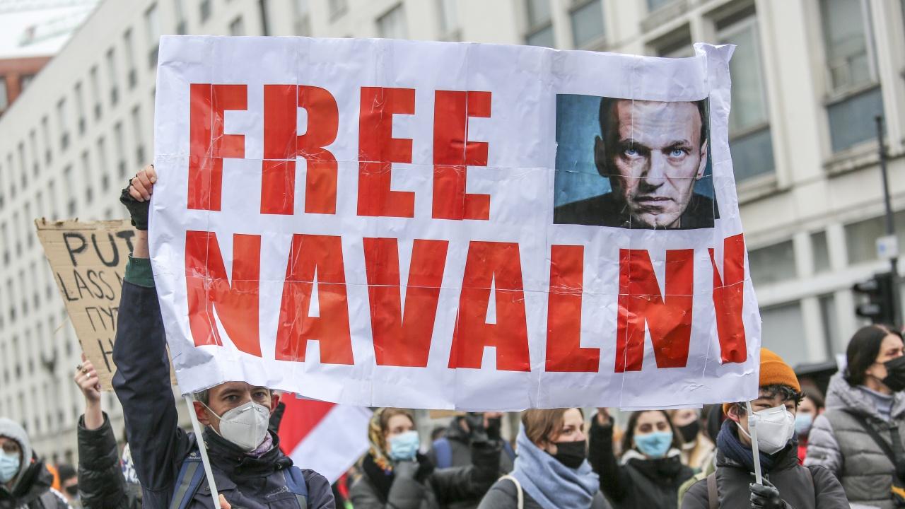 Навални се оплакал, че надзирателите в наказателната колония не го оставят да спи