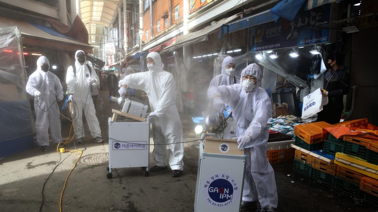 Южна Корея ще продължи ограничителните мерки срещу коронавируса с още две седмици